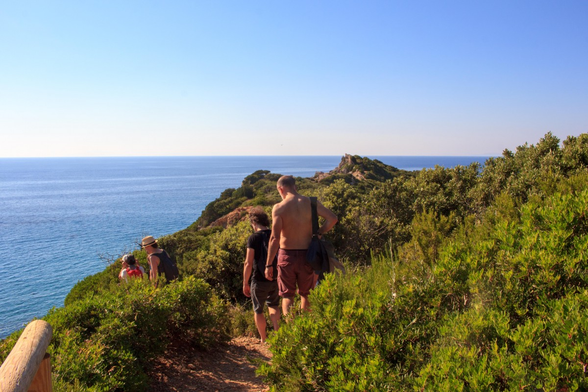 Easy trekking in Giglio Island [Photo Credits: Serena Puosi]