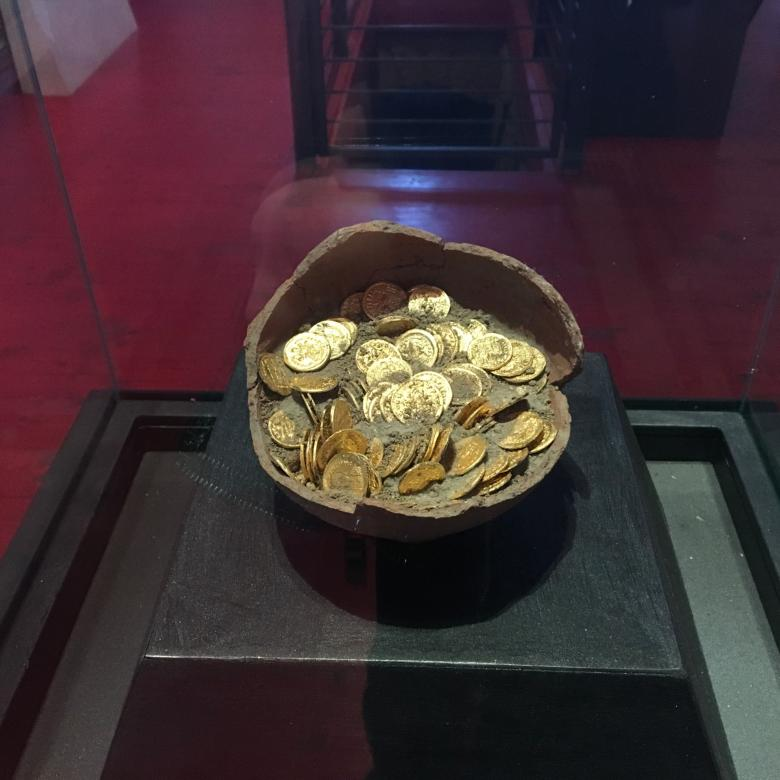 Gold coins at the San Mamiliano Museum