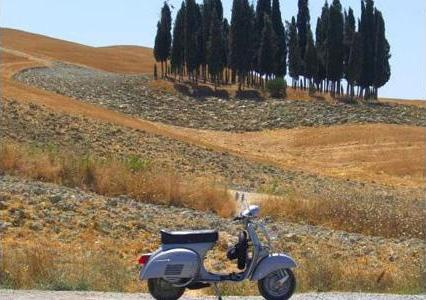 Vespa tours in Tuscany