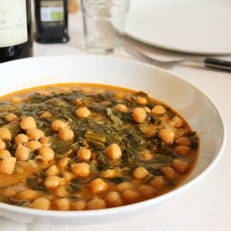 "Tuscan chickpea and chards soup or ""Chickpea cacciucco"" (Original recipe by Paolo Petroni)"