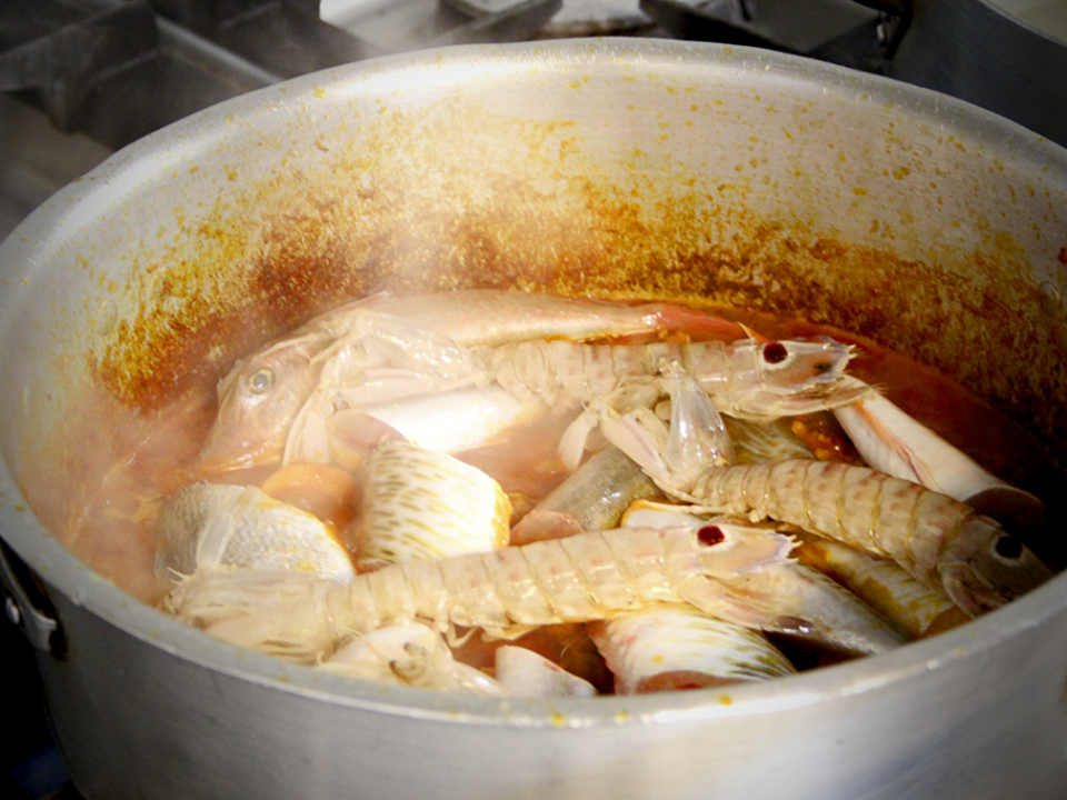 Making cacciucco fish soup at Antica Locanda da Luca (Viareggio)