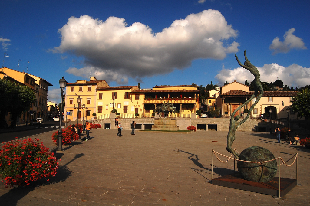 Fiesole main square [Photo credits: Mr. Donb]