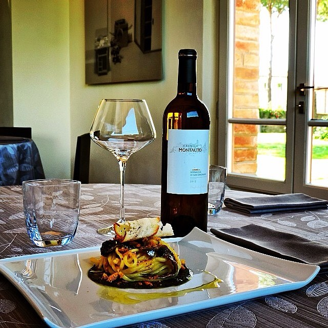 <br />Enjoy it! This dish goes well with a glass of white wine as Vernaccia di San Gimignano!<br />[Photo by Cecchi wine on Instagram]