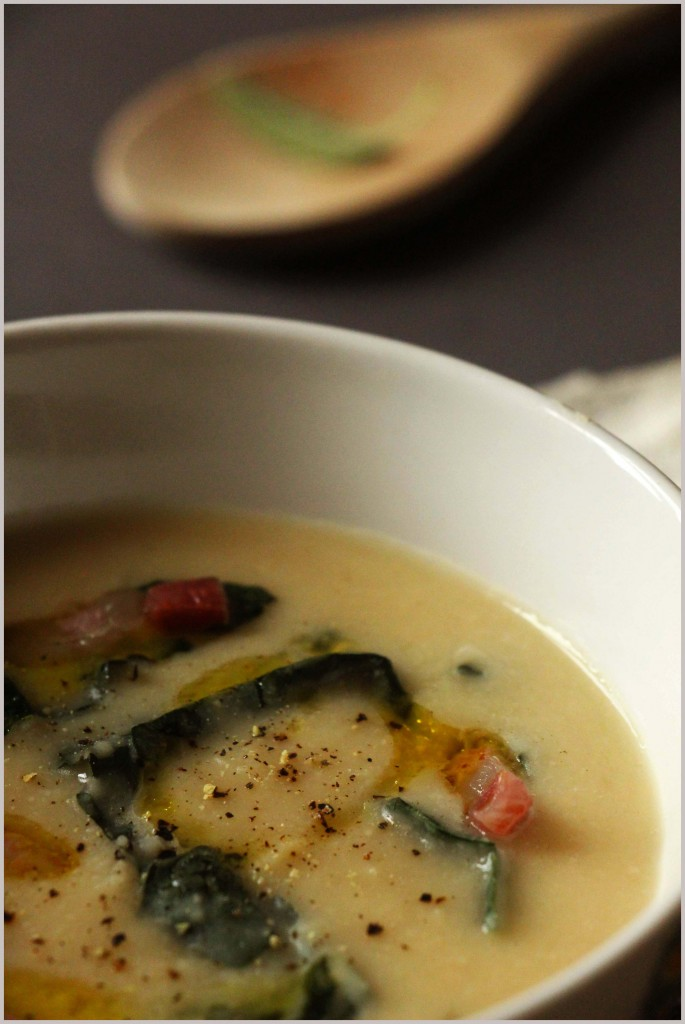 Beans soup with Tuscan kale and crispy bacon [Photo credits: Alice Del Re, Panelibrienuvole]