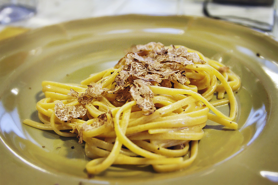 Tagliolini pasta with truffles [Photo credits: Emma Ivarsson for Play your Tuscany]