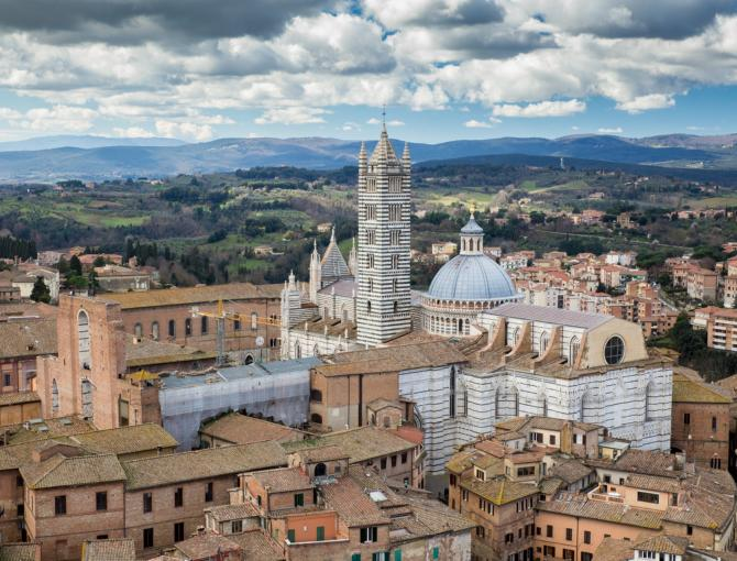 Zooming in on Siena's Duomo