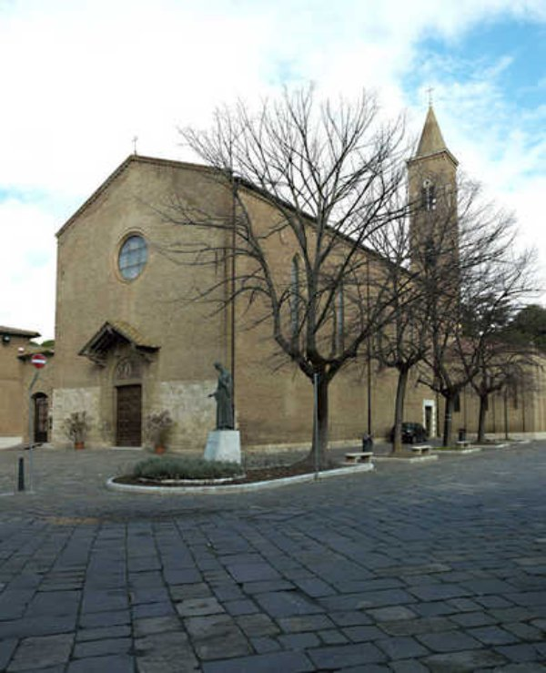 piazza s. francesco - grosseto