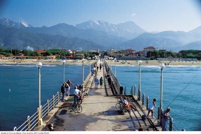 Forte dei Marmi from the pier