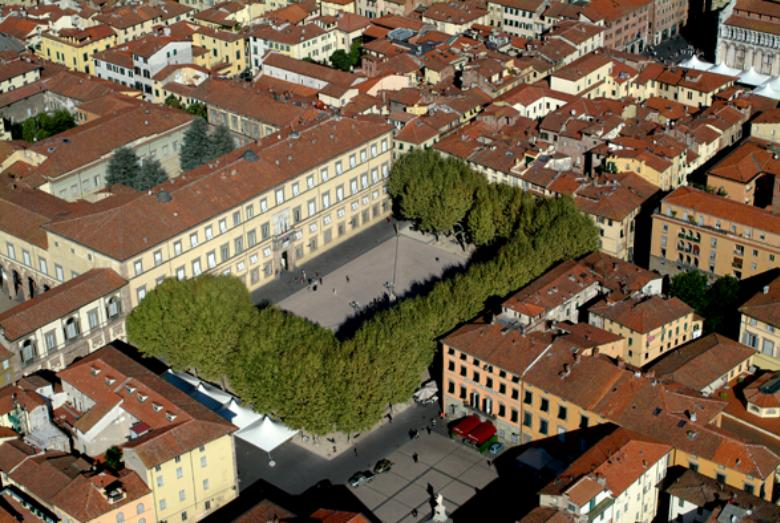 Piazza Napoleone from above