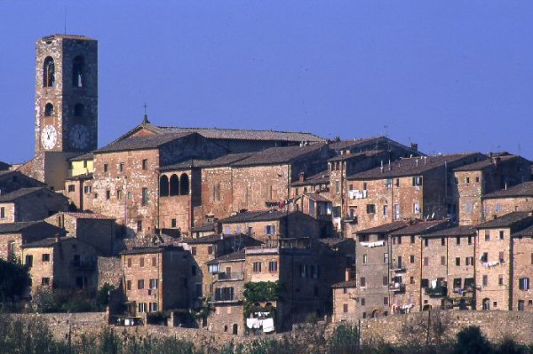 Colle di val d 39 elsa visit tuscany for Gr2 arredamenti colle val d elsa