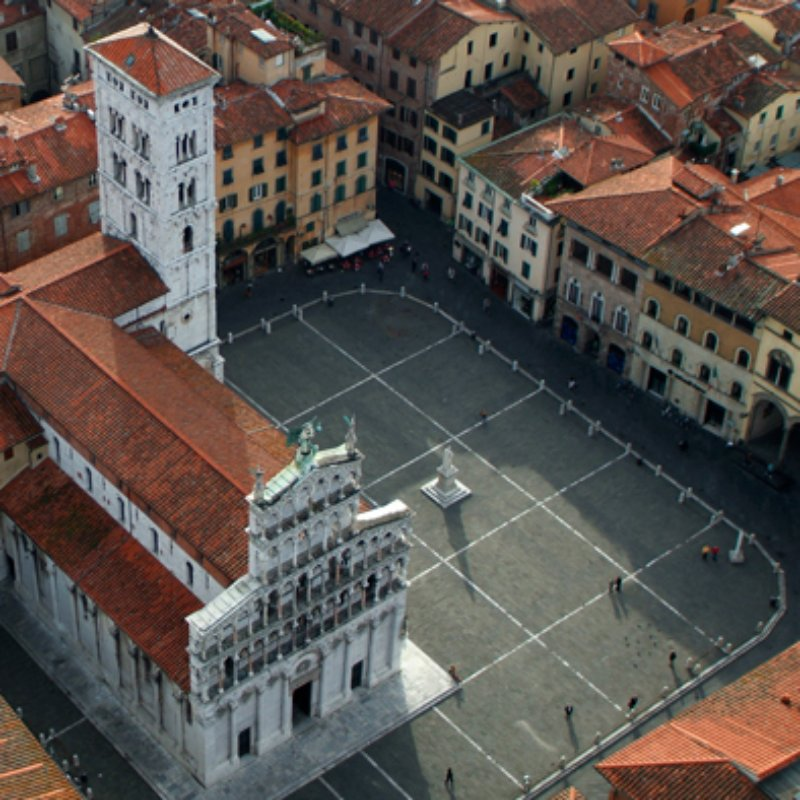 Piazza San Michele, Lucca