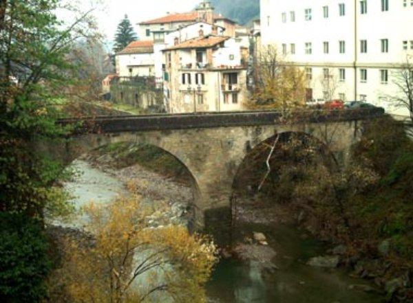Ponte della madonna visit tuscany for Disegni di ponte anteriore