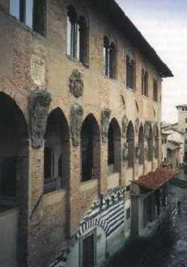 Pistoia visit tuscany for Chiesa di san leone pistoia