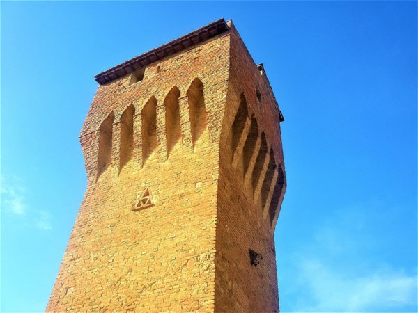 The crenellated tower of San Matteo