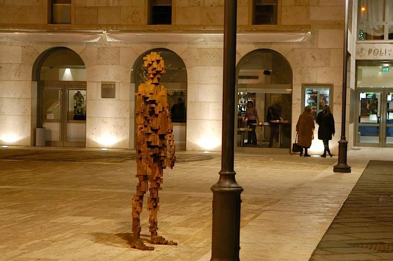 Anthony Gormley a Poggibonsi