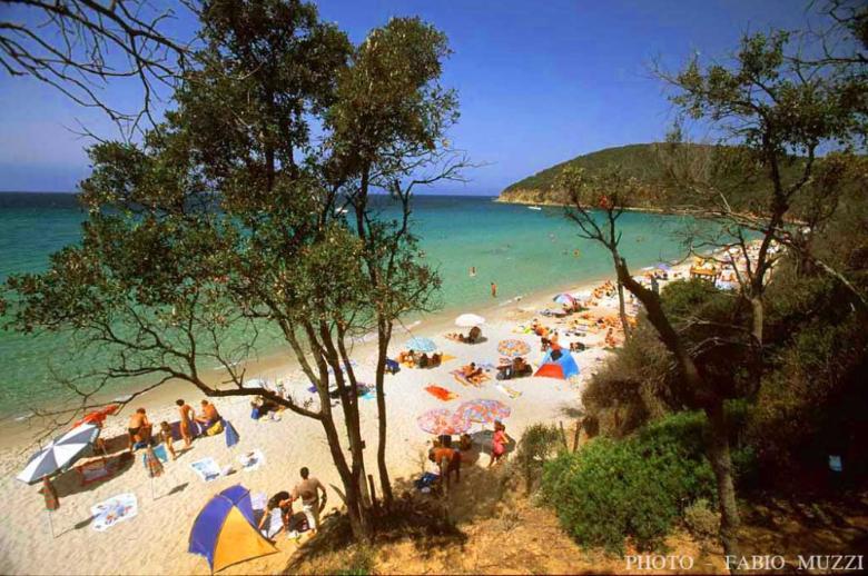 Le spiagge accessibili dell 39 incantevole maremma visit tuscany - Bagno ombretta follonica ...