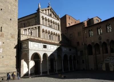 La cattedrale di san zeno a pistoia visit tuscany for Chiesa di san leone pistoia
