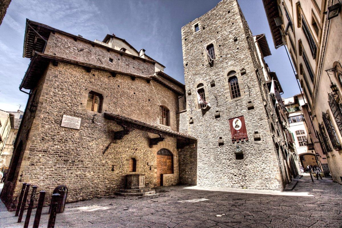 Dante House Museum | Visit Tuscany