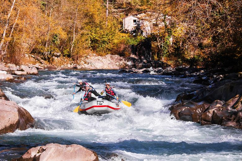 Rafting down the Lima River